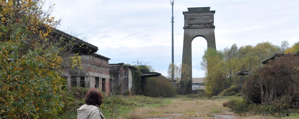 Dispersi i veleni dell'ex Saronio di Cerro: ora si costruiranno case